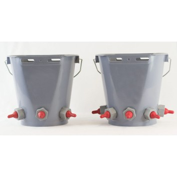 Ritchey 3/5 Teat Lamb Feeder Bucket - 8L