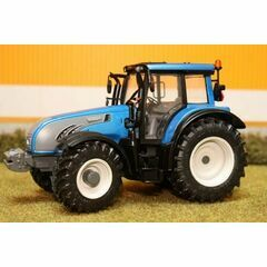 Universal Hobbies Valtra T Series 1:32