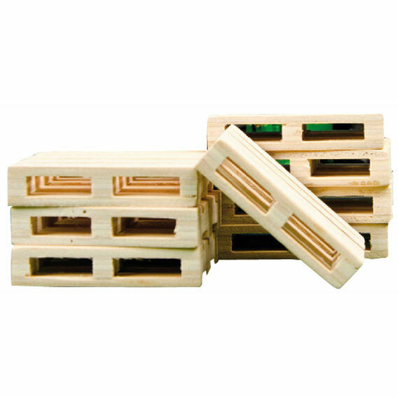 Kidsglobe 8 x Scaled Wooden Pallets Farming Toys - 1:32